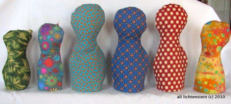 Backs of cloth paper scissors dolls