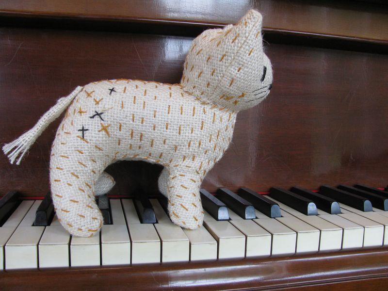 Burlap kitty two